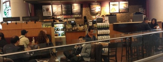 Starbucks is one of Mexico, D.F., 2013.