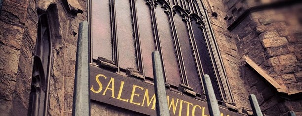 Salem Witch Museum is one of Tempat yang Disimpan Chris.