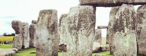 สโตนเฮนจ์ is one of Hopefully, I'll visit these places one day....