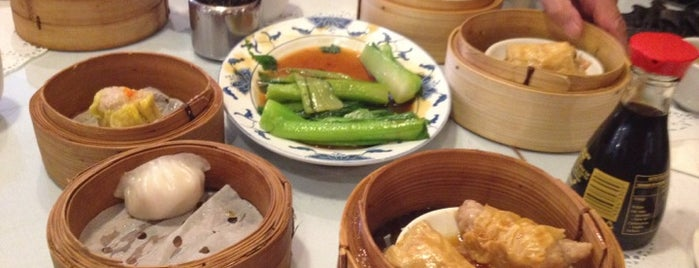Regal Chinese Restaurant is one of Yum Cha!.