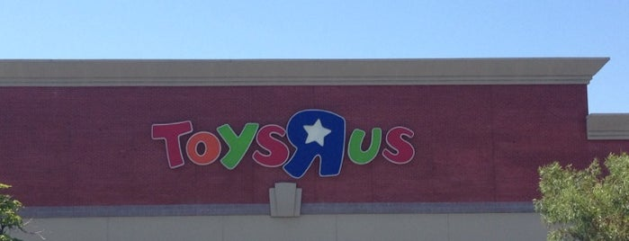 "Toys""R""Us is one of Los Angeles."