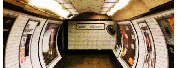 Elephant & Castle London Underground Station is one of Artur : понравившиеся места.
