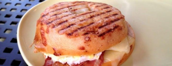 Panera Bread is one of Lugares favoritos de Franklin.