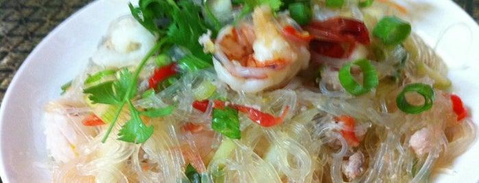 タイレストラン チェンマイ is one of さっしーのお気に入り.