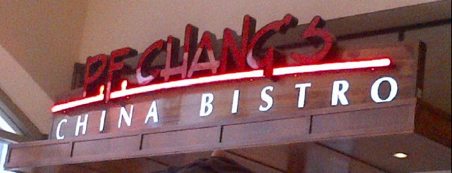P.F. Chang's is one of Locais curtidos por Star.
