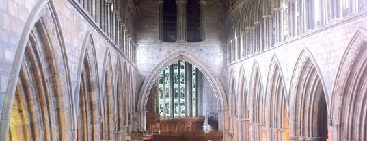Dunblane Cathedral is one of Tempat yang Disukai Carl.