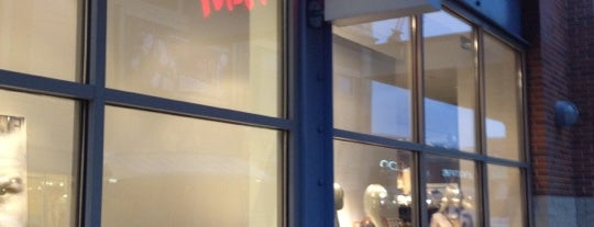 H&M is one of Rose Marie'nin Beğendiği Mekanlar.