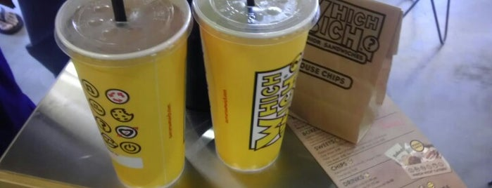 Which Wich? Superior Sandwiches is one of Posti che sono piaciuti a Thomas.