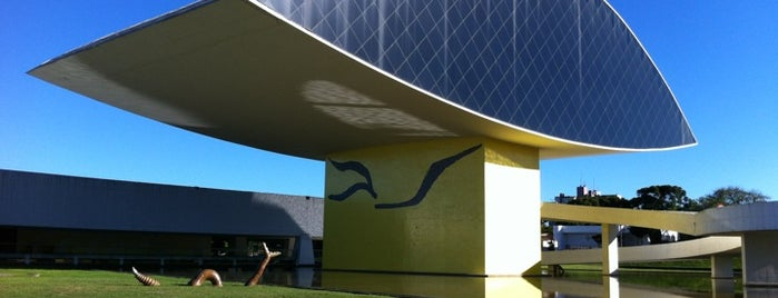 Museu Oscar Niemeyer (MON) is one of Tour Niemeyer.