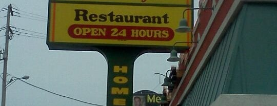 Full Moon Restaurant is one of Lugares favoritos de Mike.