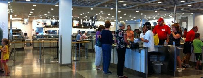 IKEA Bistro Restaurant is one of สถานที่ที่ Jared ถูกใจ.