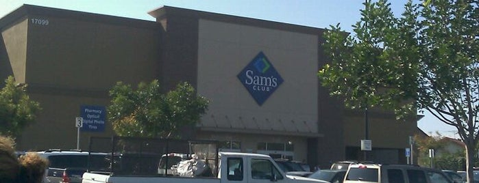 Sam's Club is one of Christine Danielleさんの保存済みスポット.