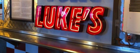Tony Luke's is one of Orte, die Kelley gefallen.