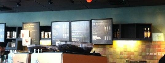 Starbucks is one of Robert: сохраненные места.
