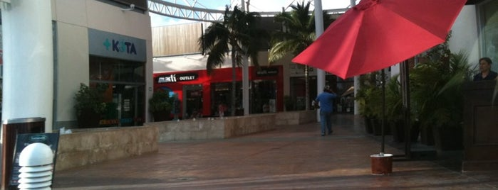 Las Plazas Outlet is one of Cancún - Por hacer.