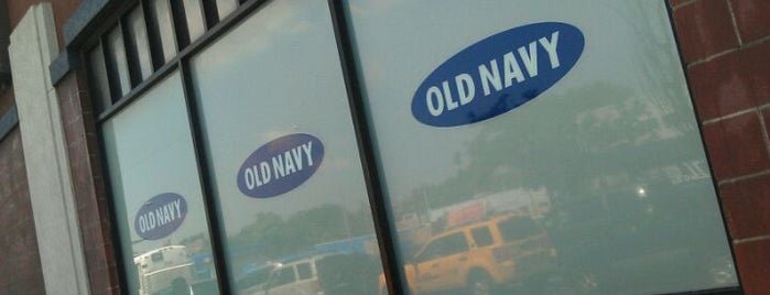 Old Navy is one of Orte, die Shawntini gefallen.