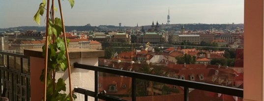 Terasa U Zlaté studně is one of [To-do] Prague.
