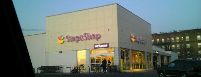 Stop & Shop is one of Lugares favoritos de Karen.