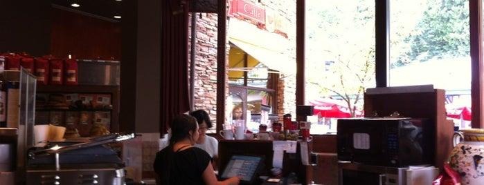 Caffè Artigiano is one of Tempat yang Disukai Nas.