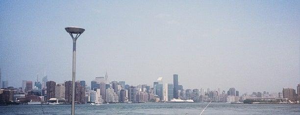Williamsburg is one of NY`ta görülecekler.