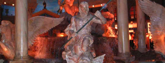 Fountain of The Gods is one of I  2 TRAVEL!! The PACIFIC COAST✈.