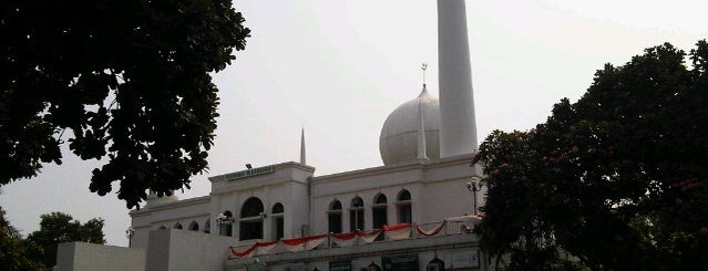 Masjid Agung Al-Azhar is one of Lugares favoritos de Daisy.