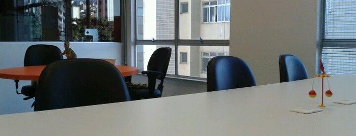 DESK Coworking is one of Espaços de coworking.