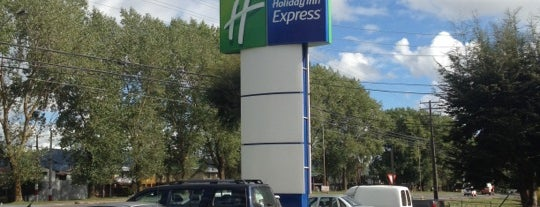 Holiday Inn Express is one of hotels.