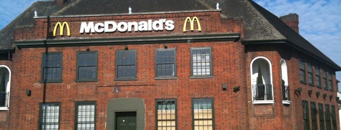 McDonald's is one of สถานที่ที่ Tim ถูกใจ.