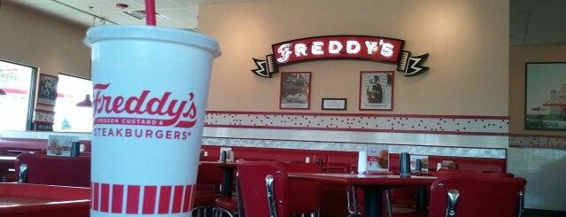 Freddy's Frozen Custard & Steakburgers is one of Dan : понравившиеся места.