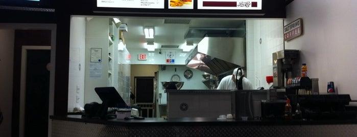 Urban Burger is one of Lieux sauvegardés par Angel.