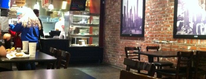 Flippin' Pizza Annandale is one of สถานที่ที่ Matthew ถูกใจ.