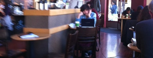 Starbucks is one of Lieux qui ont plu à roxanne.