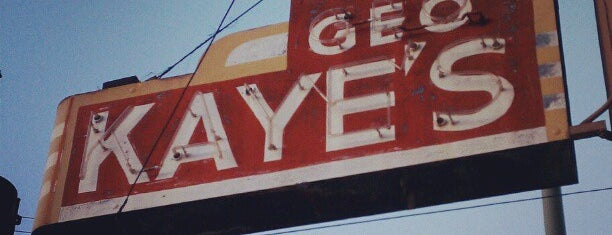 George Kaye's is one of Lieux qui ont plu à Drew.