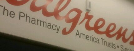 Walgreens is one of Tempat yang Disukai Barry.