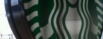 Starbucks is one of Posti che sono piaciuti a Rosana.
