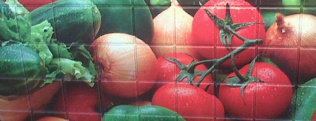 Subway is one of Locais curtidos por Frederic.