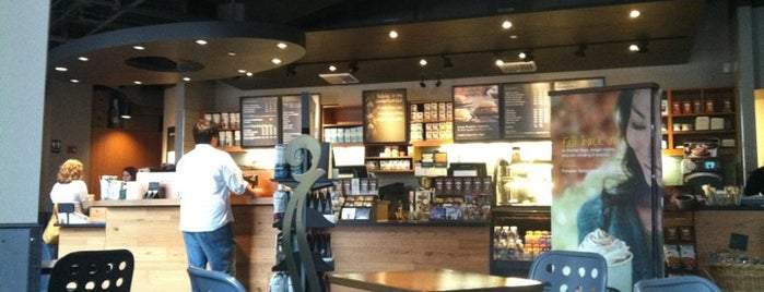 Starbucks is one of Locais curtidos por Anna.