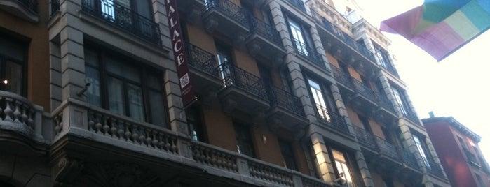 High Tech Petit Palace Ducal is one of Hoteles en España.