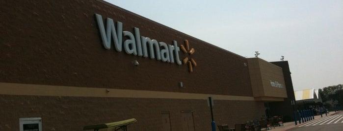 Walmart Supercenter is one of Lieux qui ont plu à Paulina.