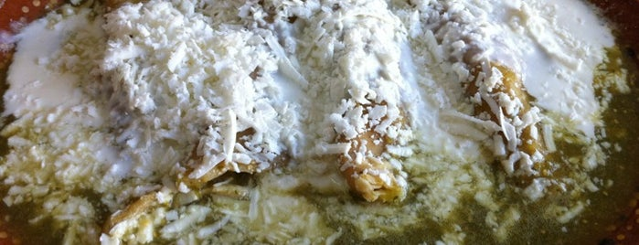 Los Alcatraces is one of Enchiladas y chilaquiles.