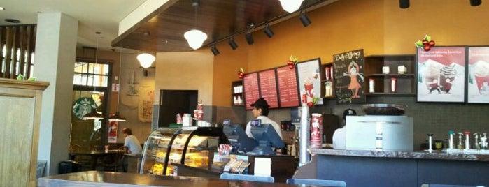 Starbucks is one of Tempat yang Disukai Camila.