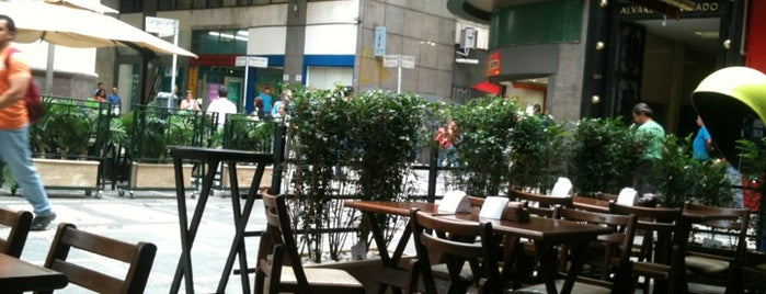 Alhambra Café is one of Happy Hour na Paulista.