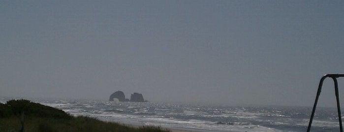 Rockaway Beach is one of Posti che sono piaciuti a Gehlen.