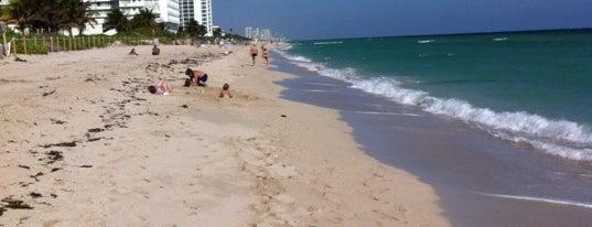 64th Street Beach is one of Locais curtidos por Nikolay.