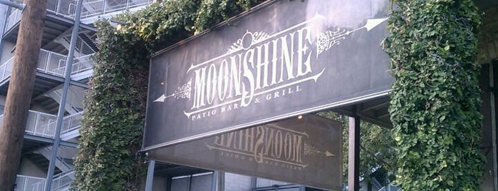 Moonshine Patio Bar & Grill is one of Austin to-dos.