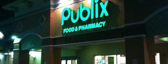 Publix is one of สถานที่ที่ B David ถูกใจ.