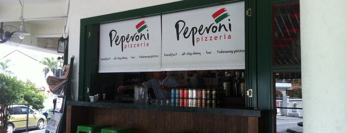 Peperoni Pizzeria is one of Awesome Makan places.