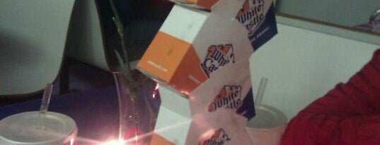 White Castle is one of Lugares favoritos de Marc.