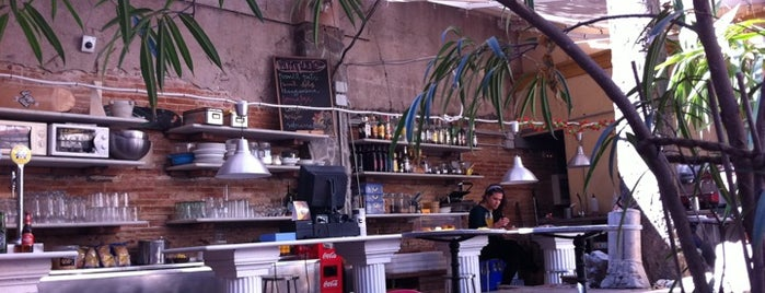 Bar Jardí is one of Barcelona Bar Crawl you can't miss.